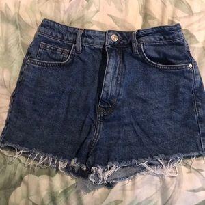 Dark Blue Demin frayed shorts!!💕